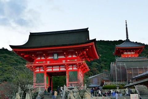 冬の京都を観光ラン!東山 世界遺産・名所巡り17キロ【サトウ練習会】3,000円