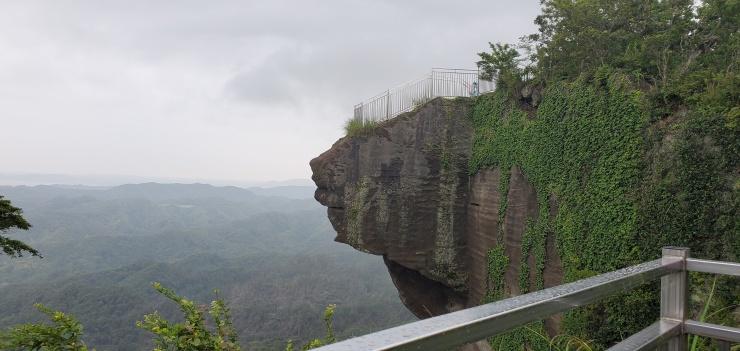 平日昼間 スリル満点!崖の上から地獄を覗く鋸山かるいトレラン 約10キロ 2900円
