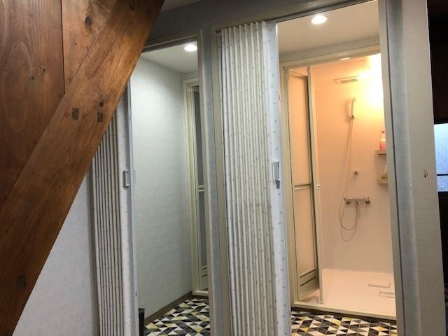 シャワー室は2室あります