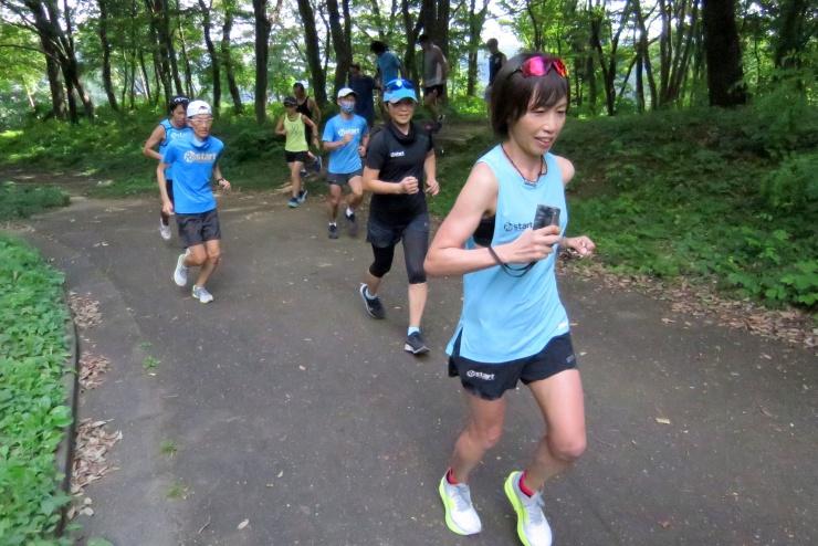 片岡純子のサブ4~3.5練習会~クロカンインターバル