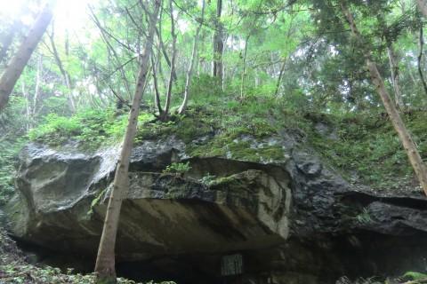 てくてく健康「里山あるき」藤沢岩屋洞窟遺跡巡り