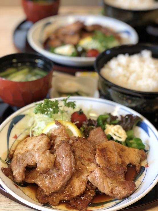 地元のブランド豚、弓豚の焼き肉ランチ(肉増量&ご飯大盛り)
